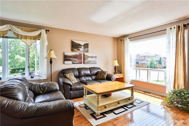 Detached at 135 Brucker Rd, Barrie, Ontario. Image 15