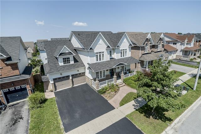 Detached at 28 The Queensway, Barrie, Ontario. Image 1