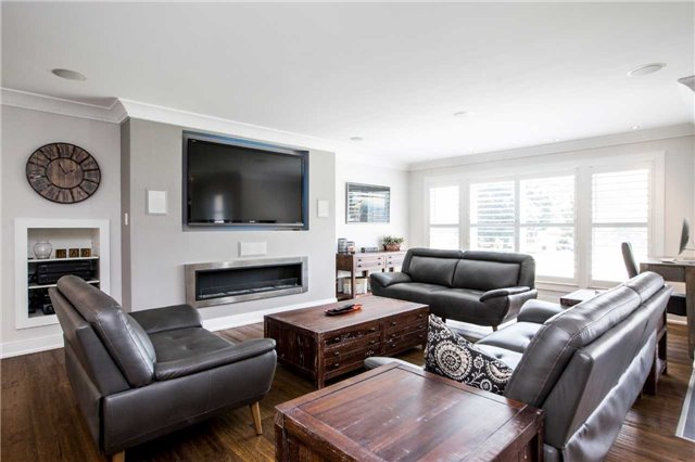 Detached at 288 Codrington St, Barrie, Ontario. Image 17