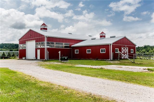 Farm at 1216 Wood Rd, Tay, Ontario. Image 2