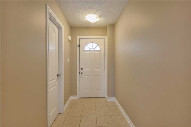 Condo Townhouse at 2 Southwoods Cres, Barrie, Ontario. Image 14