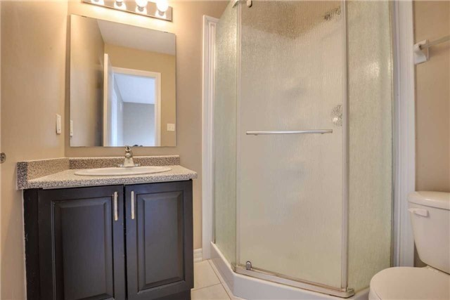 Condo Townhouse at 2 Southwoods Cres, Barrie, Ontario. Image 5