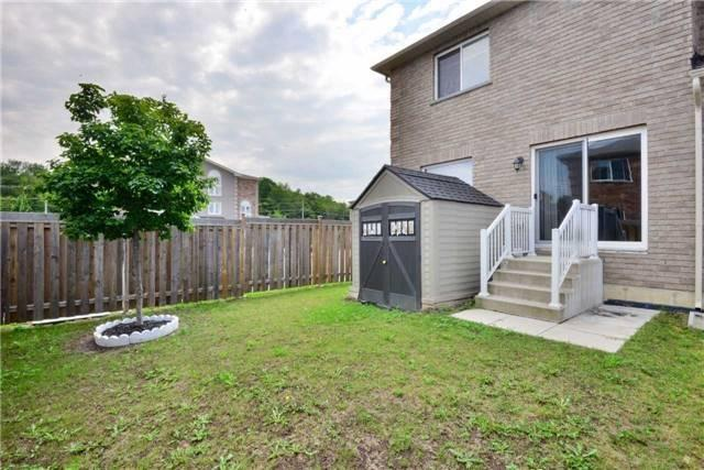 Condo Townhouse at 2 Southwoods Cres, Barrie, Ontario. Image 13