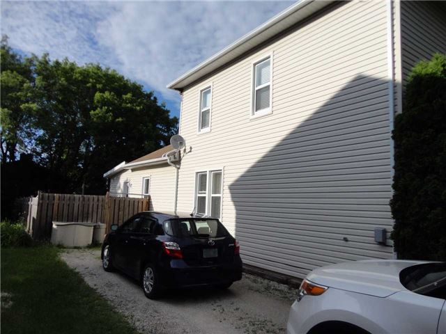 Semi-detached at 317 Second  St, Collingwood, Ontario. Image 4