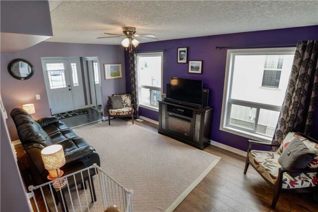 Detached at 83 Pearl Dr S, Orillia, Ontario. Image 14