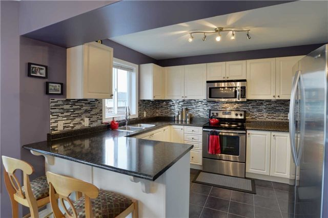 Detached at 83 Pearl Dr S, Orillia, Ontario. Image 16