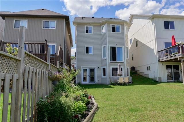 Detached at 83 Pearl Dr S, Orillia, Ontario. Image 10