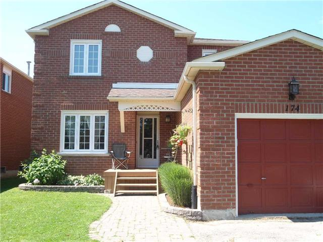 Detached at 174 Kozlov St, Barrie, Ontario. Image 1