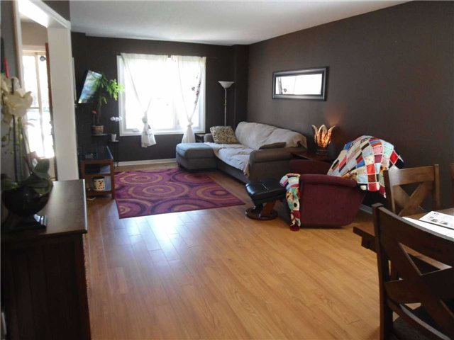 Detached at 174 Kozlov St, Barrie, Ontario. Image 10