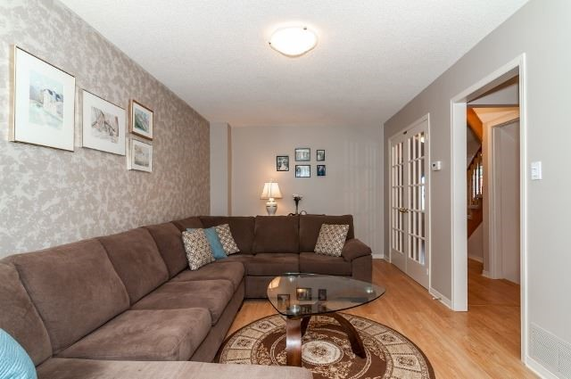 Detached at 81 Golden Meadow Rd, Barrie, Ontario. Image 4