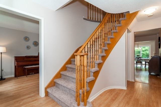 Detached at 81 Golden Meadow Rd, Barrie, Ontario. Image 7