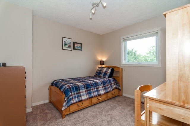 Detached at 81 Golden Meadow Rd, Barrie, Ontario. Image 11