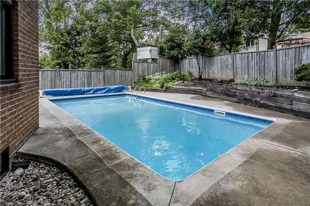 Detached at 39 Pepler Pl, Barrie, Ontario. Image 4