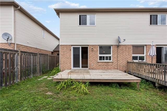 Townhouse at 16 Coleman Dr, Barrie, Ontario. Image 5