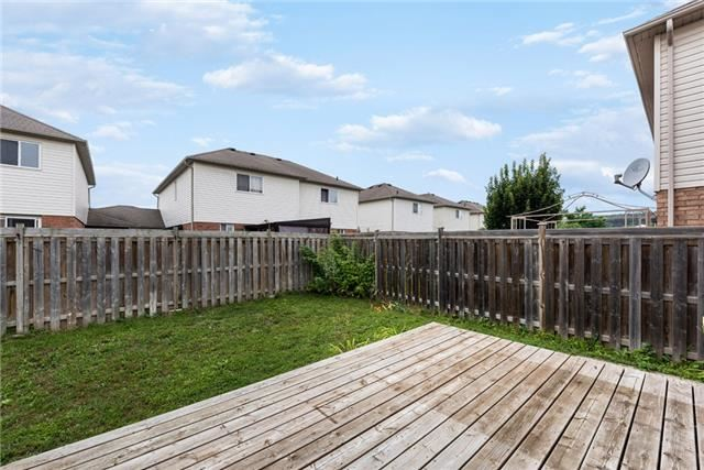 Townhouse at 16 Coleman Dr, Barrie, Ontario. Image 6