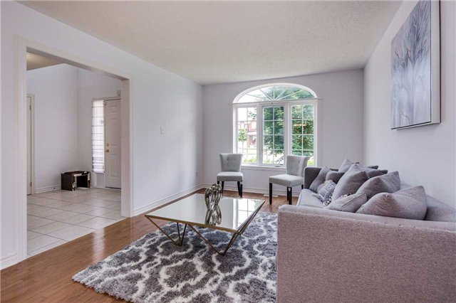 Detached at 122 Livingstone St, Barrie, Ontario. Image 14