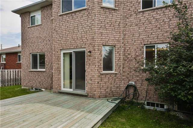 Detached at 122 Livingstone St, Barrie, Ontario. Image 13