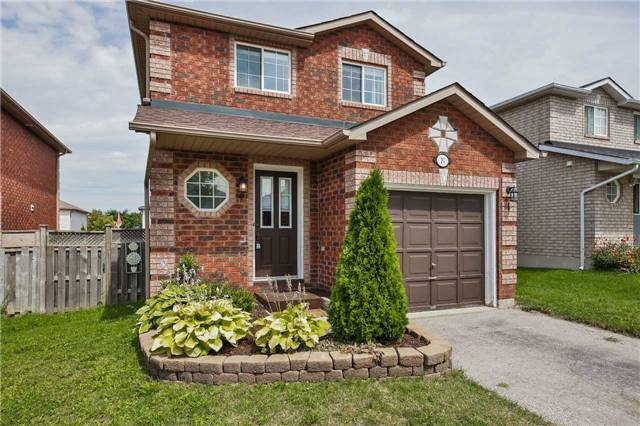 Detached at 20 Booth Lane, Barrie, Ontario. Image 1