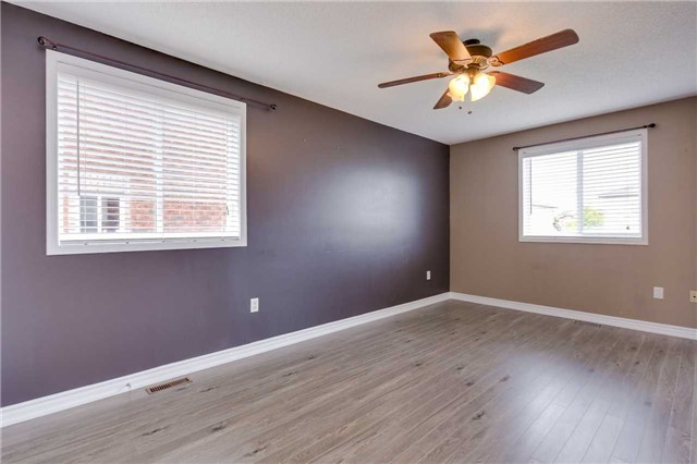 Detached at 20 Booth Lane, Barrie, Ontario. Image 15