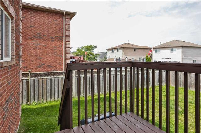 Detached at 20 Booth Lane, Barrie, Ontario. Image 11
