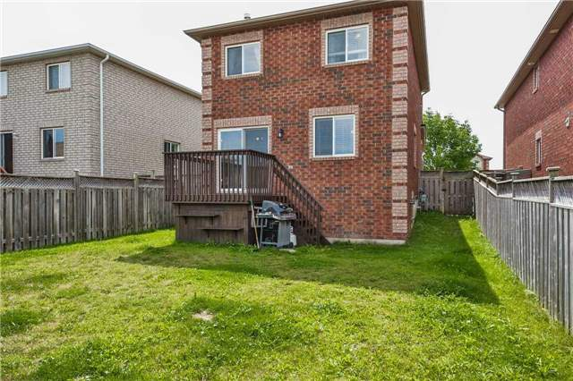 Detached at 20 Booth Lane, Barrie, Ontario. Image 13
