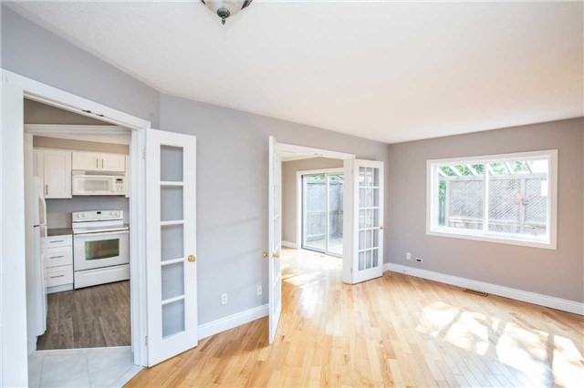 Detached at 36 Red Oak Dr, Barrie, Ontario. Image 8