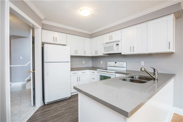 Detached at 36 Red Oak Dr, Barrie, Ontario. Image 10