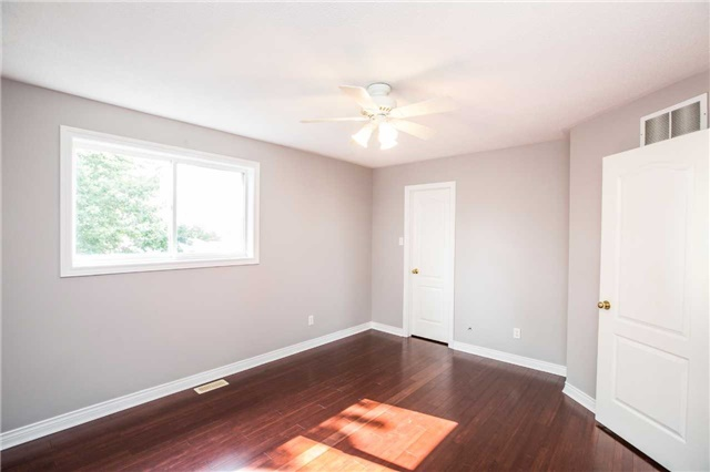 Detached at 36 Red Oak Dr, Barrie, Ontario. Image 11