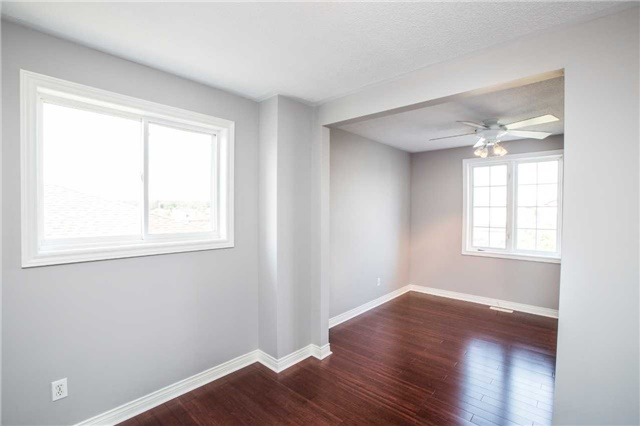 Detached at 36 Red Oak Dr, Barrie, Ontario. Image 13