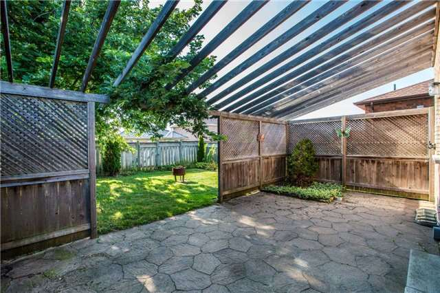 Detached at 36 Red Oak Dr, Barrie, Ontario. Image 4