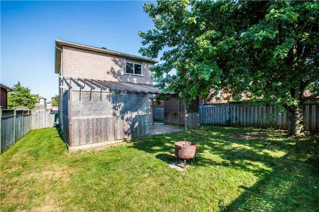 Detached at 36 Red Oak Dr, Barrie, Ontario. Image 5