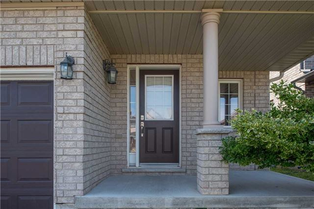 Detached at 63 Sovereigns Gate W, Barrie, Ontario. Image 12