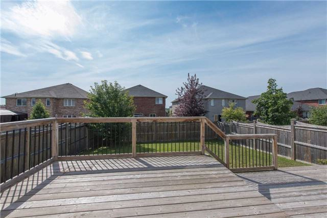 Detached at 63 Sovereigns Gate W, Barrie, Ontario. Image 10