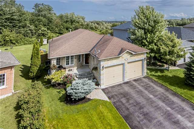 Detached at 145 Pringle Dr, Barrie, Ontario. Image 1