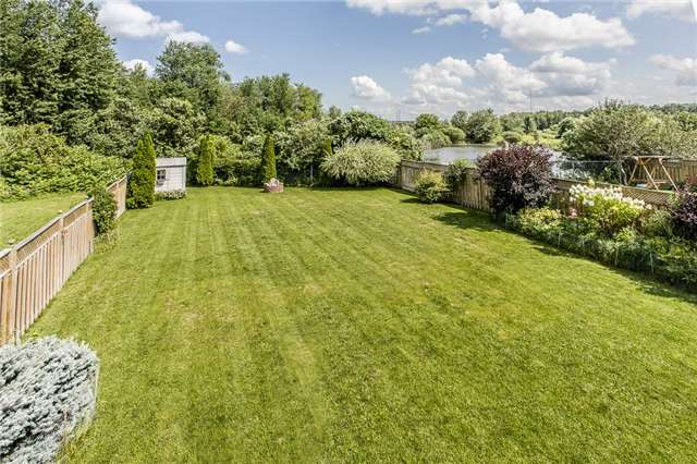 Detached at 145 Pringle Dr, Barrie, Ontario. Image 3