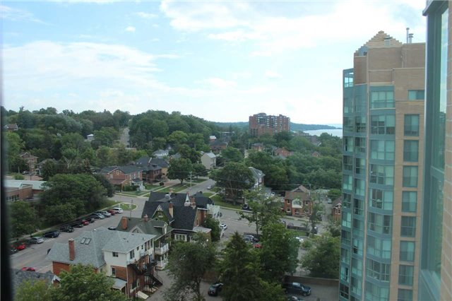 Condo Apartment at 140 Dunlop St E, Unit 1501, Barrie, Ontario. Image 17
