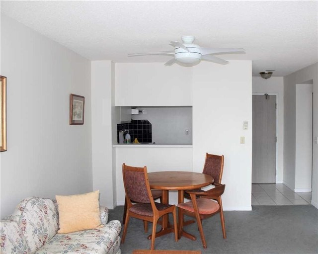 Condo Apartment at 140 Dunlop St E, Unit 1501, Barrie, Ontario. Image 18
