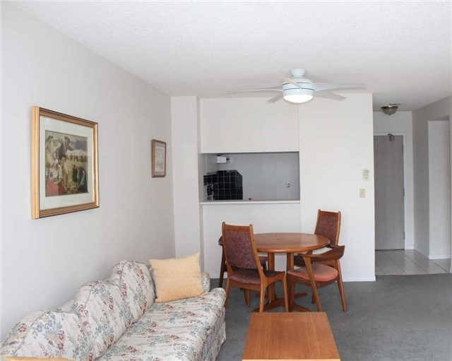 Condo Apartment at 140 Dunlop St E, Unit 1501, Barrie, Ontario. Image 19