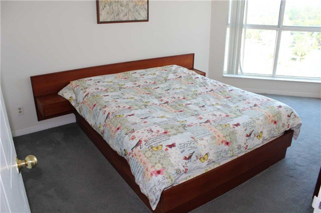Condo Apartment at 140 Dunlop St E, Unit 1501, Barrie, Ontario. Image 2