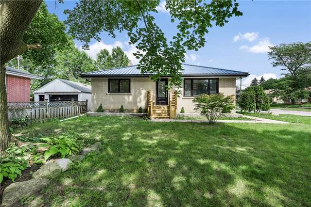 Detached at 30 Northpark Rd, Barrie, Ontario. Image 13