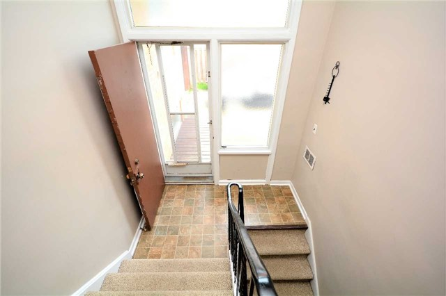 Detached at 244 St.Vincent St, Barrie, Ontario. Image 6