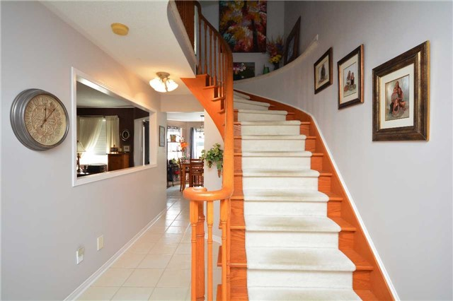 Detached at 145 Sundew Dr, Barrie, Ontario. Image 13
