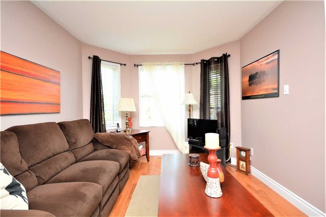 Detached at 145 Sundew Dr, Barrie, Ontario. Image 14