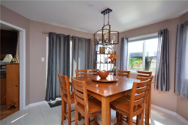 Detached at 145 Sundew Dr, Barrie, Ontario. Image 17