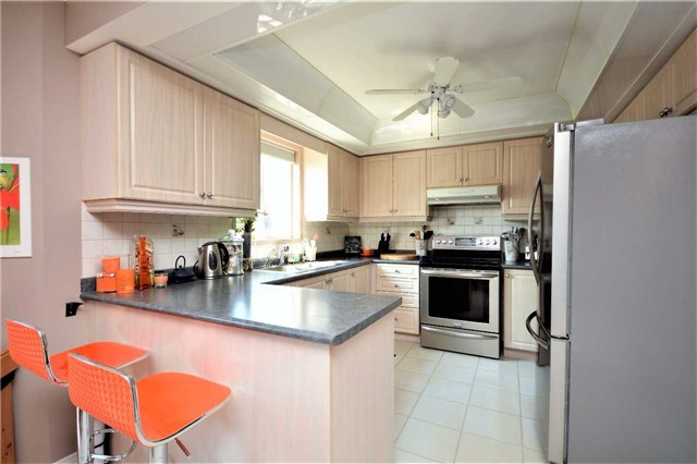Detached at 145 Sundew Dr, Barrie, Ontario. Image 18