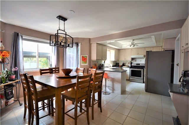 Detached at 145 Sundew Dr, Barrie, Ontario. Image 2