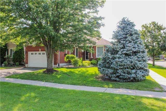 Detached at 361 Cundles Rd W, Barrie, Ontario. Image 1