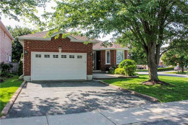 Detached at 361 Cundles Rd W, Barrie, Ontario. Image 12