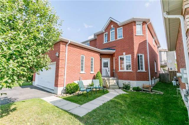 Detached at 15 Mcintyre Dr, Barrie, Ontario. Image 1