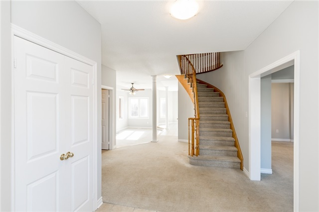 Detached at 15 Mcintyre Dr, Barrie, Ontario. Image 12